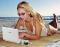 netbook op het strand